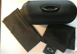 Oakley Sunglasses/Eyeglasses Hard Zipper Case w/ cleaning cl